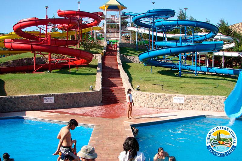 Parque acuatico piscinas restaurant centro vacacional for Piscinas con toboganes